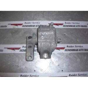 Suport Motor Transversal Distributie 1K0199262AT - Skoda Octavia MK2-1Z5 Diesel BKD 2 Litri 103 kw